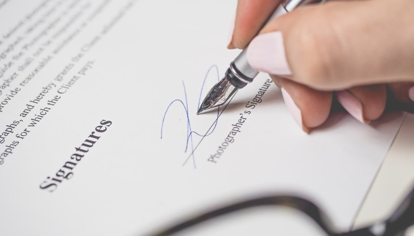 Landlord Should Check On The Addition Of Renewal Clause