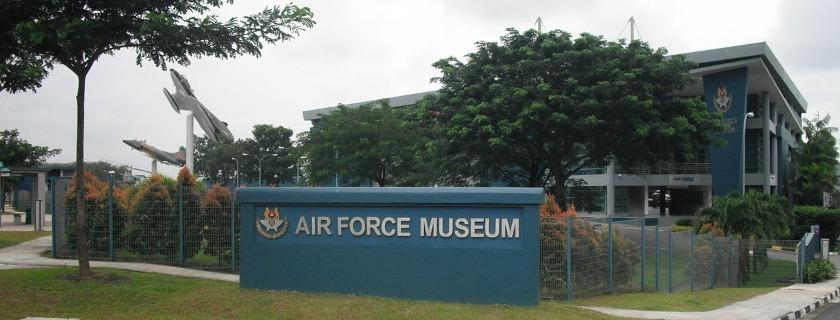 Near the Bayfront MRT Station